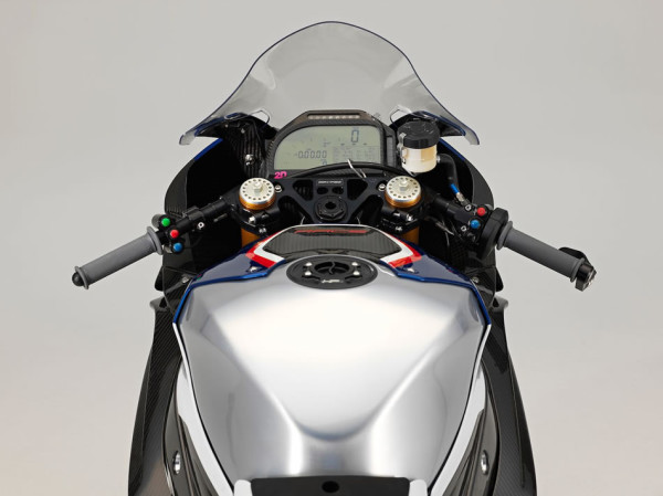 BMW HP4 Race no Brasil Painel