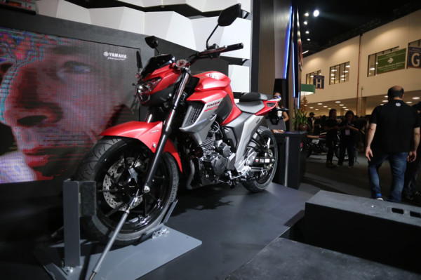 Nova Fazer 250 ABS 2108 Vermelha Salão Duas Rodas