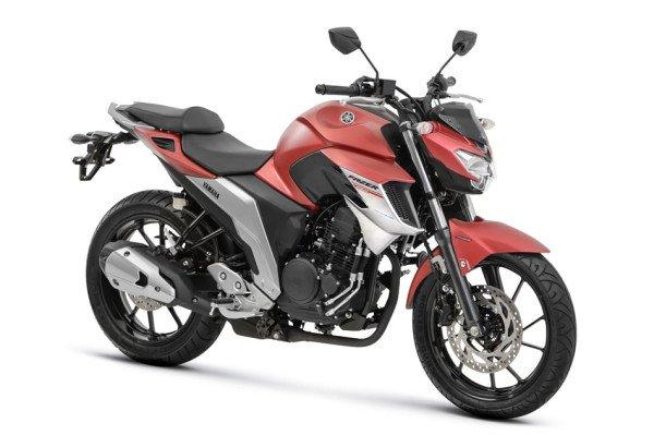 Nova Fazer 250 ABS 2108 Vermelha fremte
