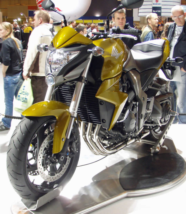 HondaCB1000R-2008-01