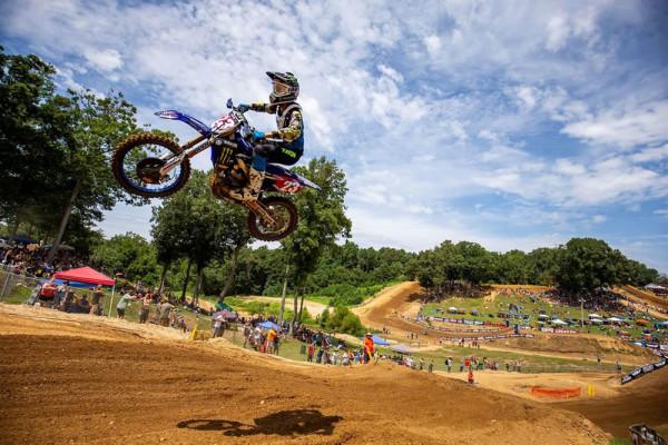 Yamaha YZ250F Campeã do AMA Motocross 2018 Salto no ar