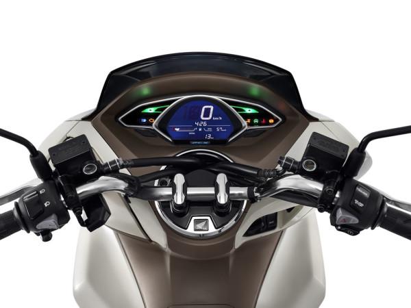 Honda-PCX-150-2019-01