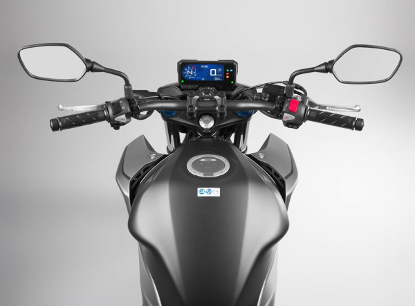 cb500F-2019-05-Painel-Tanque