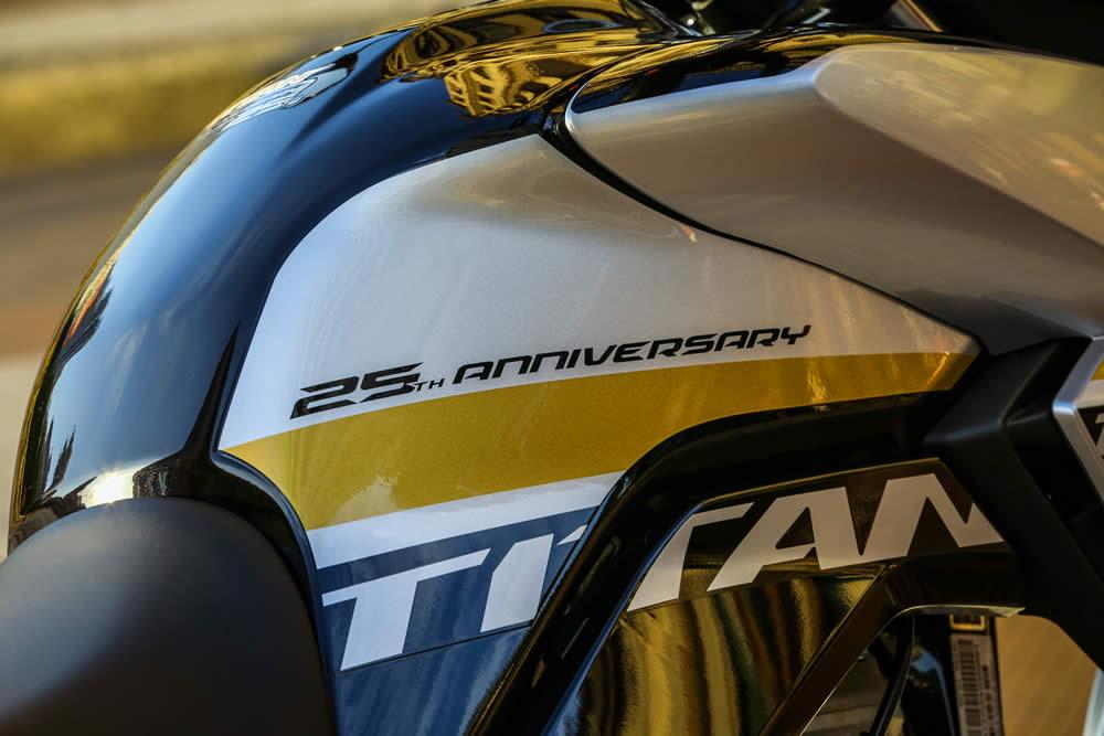 Nova Cg160 Titan 25 Anos 02 Detalhe Tanque Motorede
