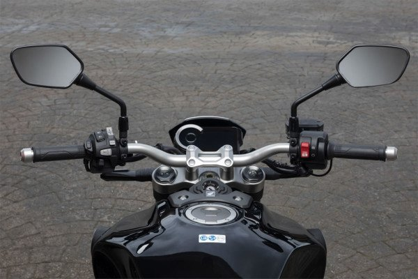 Honda-CB1000R-2019-Brasil-02