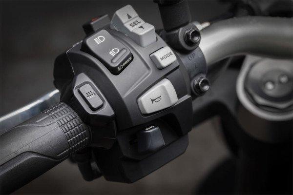 Honda-CB1000R-2019-Brasil-03