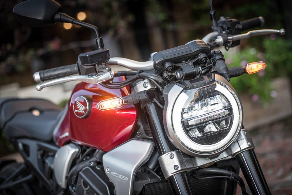 Honda Cb1000r 2019 Brasil 07 Farol Motorede