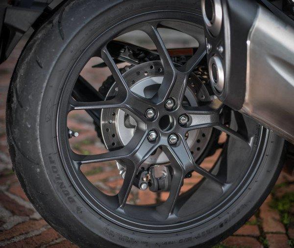 Honda-CB1000R-2019-Brasil-14