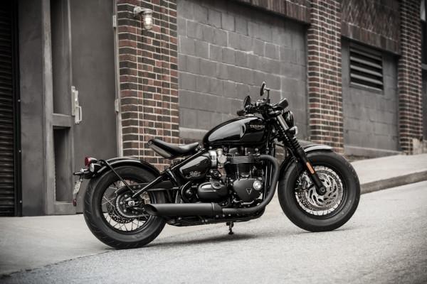 Triumph-Bobber-Black-1200-2019-01