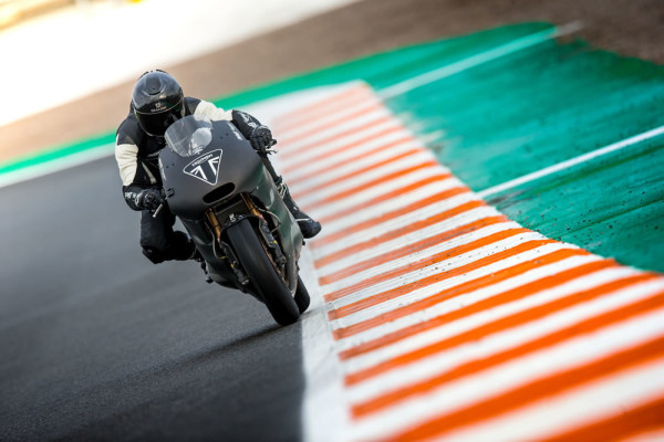 Motor-765-Triumph-Moto2-2019-05