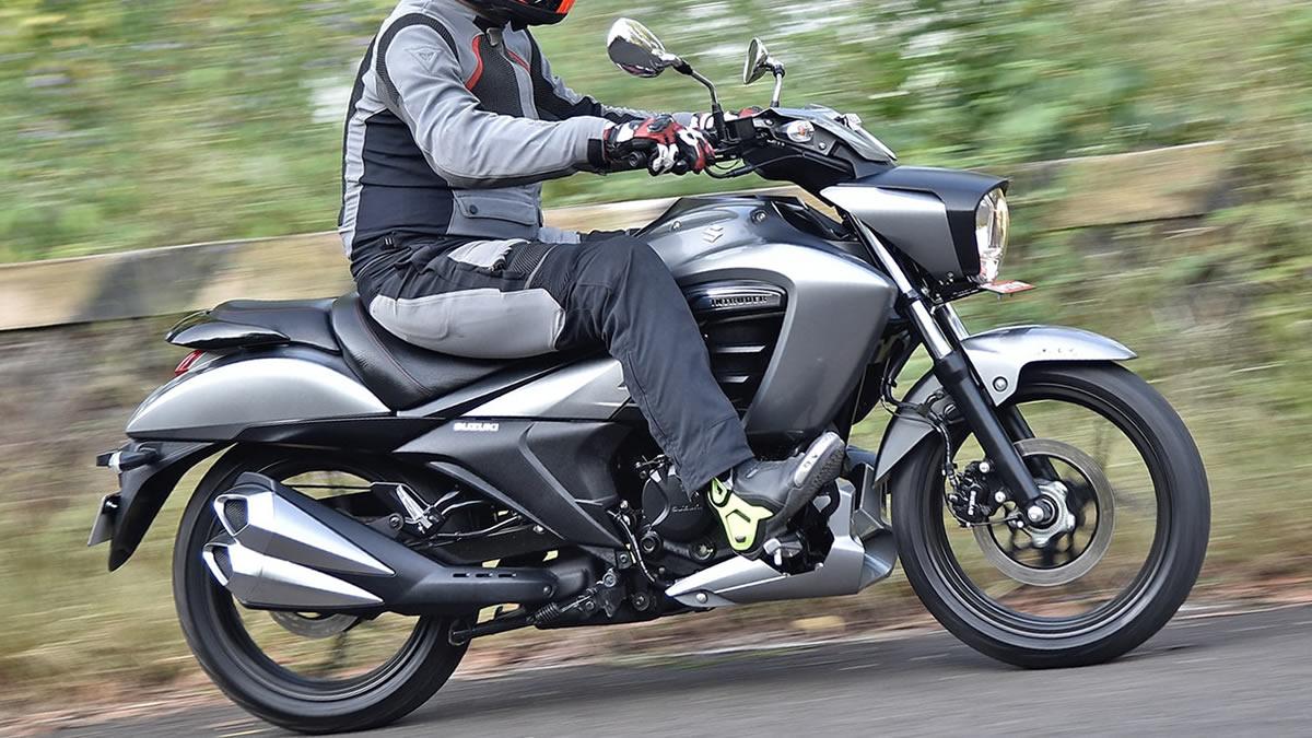 Suzuki-Intruder-150-2019-01