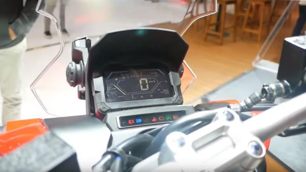 Honda-X-ADV-150-03-Painel