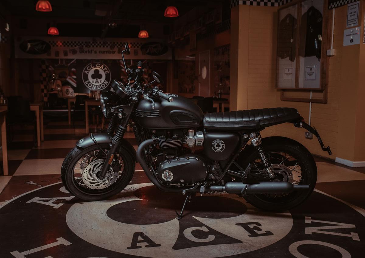Triumph-T120-Ace-00
