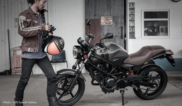 Honda-VTR250-02