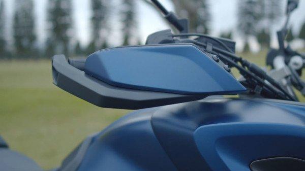Tracer-900-GT-02-protetores-mao