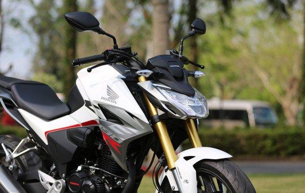 Honda-CBF190R-00