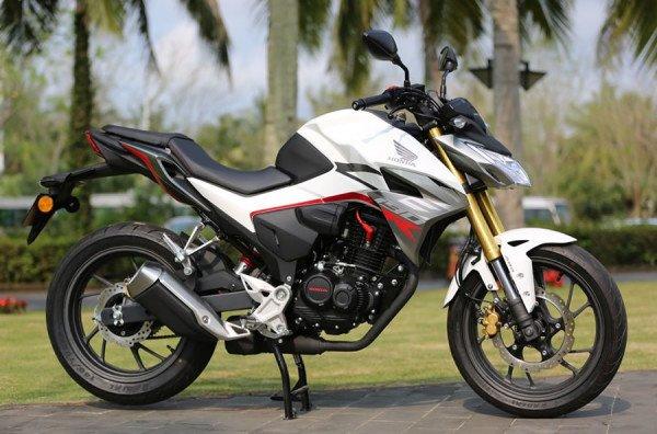 Honda-CBF190R-02