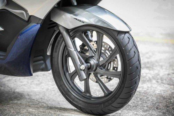 Honda-PCX150-2020-06