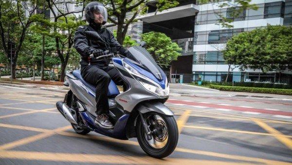 Honda-PCX150-2020-08