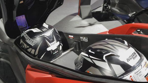 Yamaha X-Max 250 Espaço Embaixo do Banco