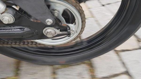 07-corrente-moto