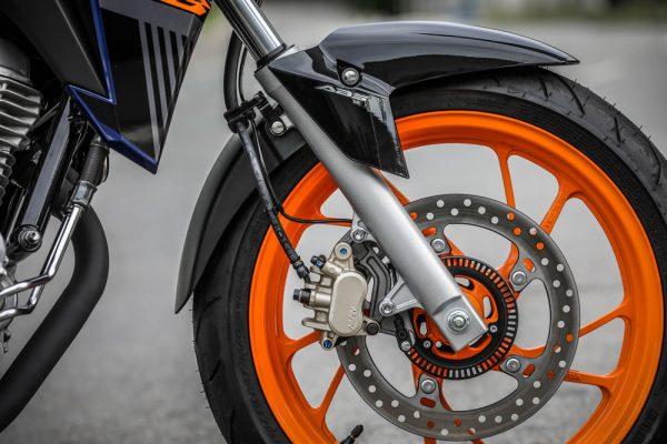nova-twister-se-07-freio-ABS
