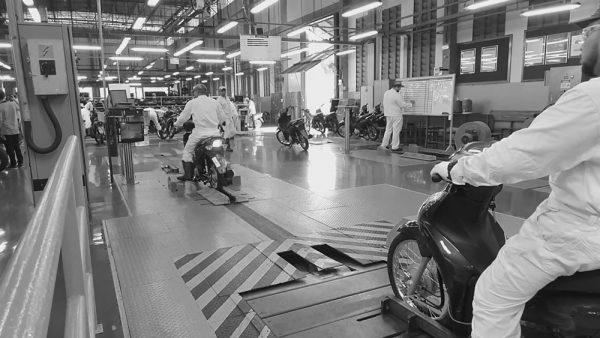 paralisacao-fabrica-motos-02