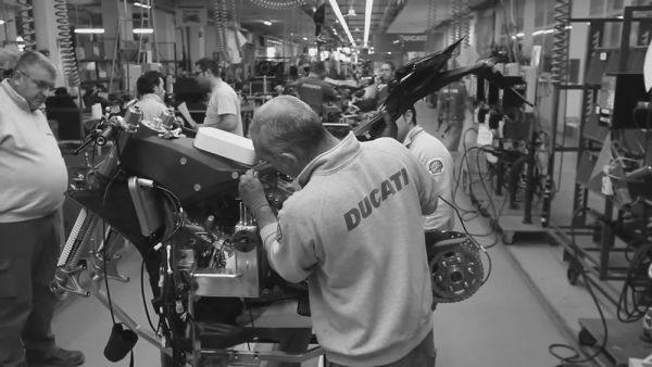 paralisacao-fabrica-motos-08