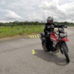 Como fazer manobras em baixa velocidade? Dicas de pilotagem