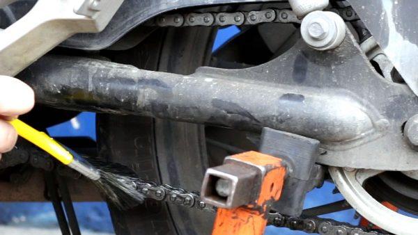 manutencao-corrente-moto-02