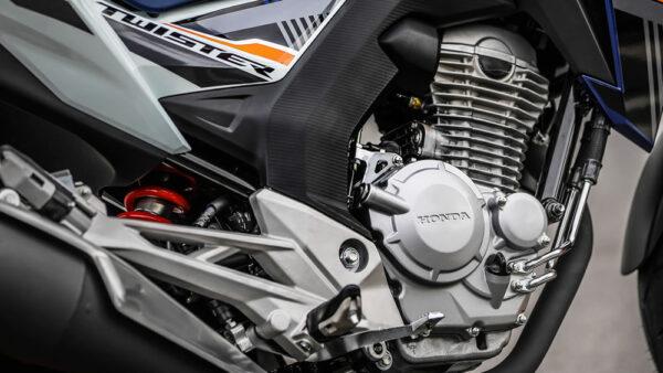 dr300-cb-twister-fazer250-02-motor