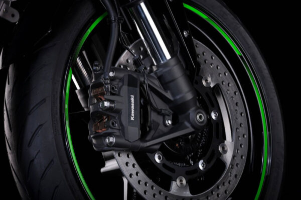 ninja-zx25r-05-freio