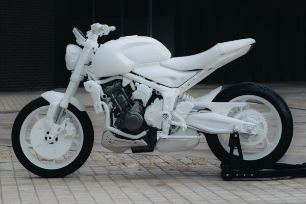 Triumph-Trident-03