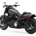 Posso pilotar moto por correia em estrada de terra?