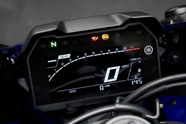 Yamaha-R7-2022-09-painel